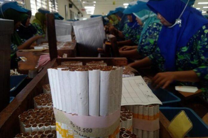 buruh rokok di Kudus