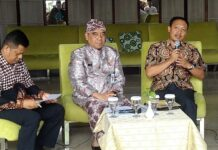 Hendri Wicaksono (kanan)