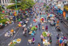 Pasar pagi Salatiga physical distancing