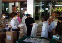 Bantuan baju hazmat dari BBPLK Semarang