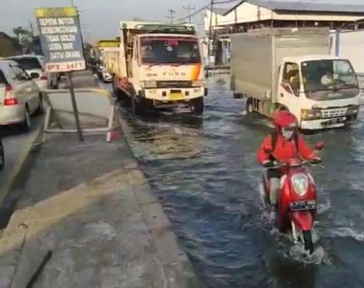Rob di ruas jalan Semarang-Demak