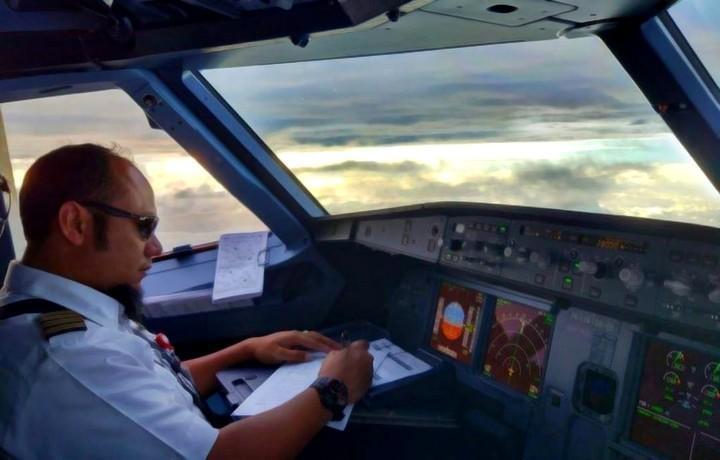 Kapten Megah Terbang