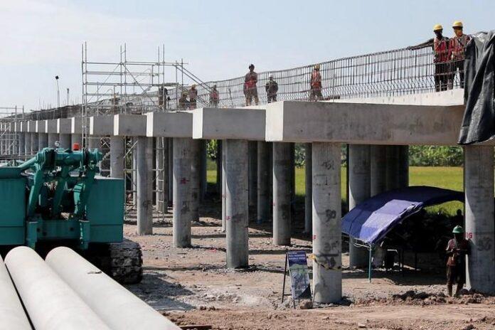 Proyek Jalan Tol Semarang-Demak