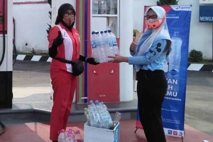 Sampah botol plastik ditukar BBM