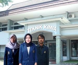 Rohmah Milenia and Friends