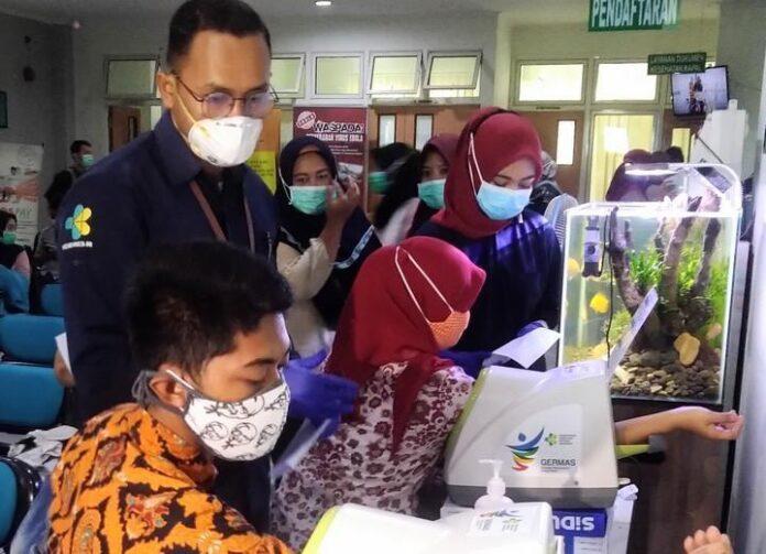 Vaksinasi di Kantor Kesehatan Pelabuhan