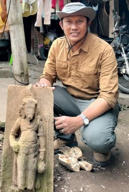 Arca Agastya yang ditemukan di Desa Sidomukti