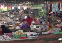 Pedagang di Pasar Babadan Semarang