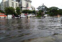 Jalan Pahlawan Semarang tergenang banjir pekan kemarin