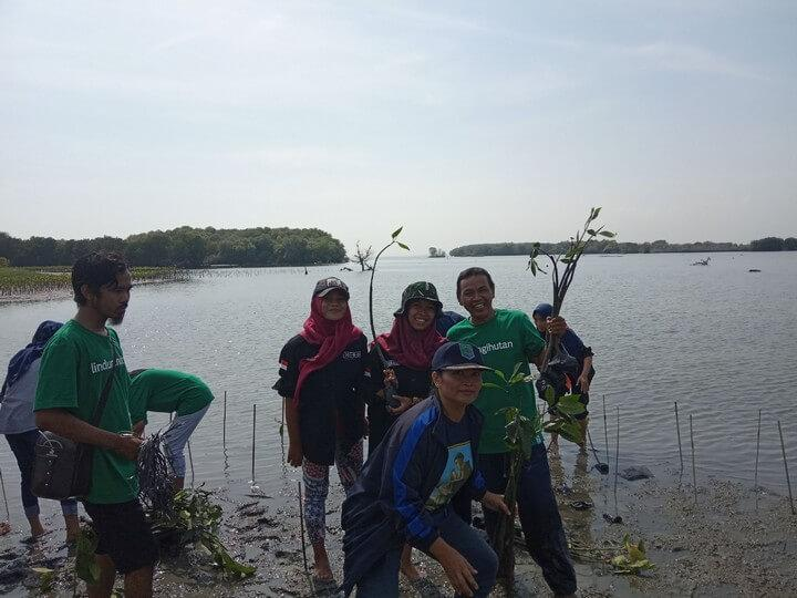 Kegiatan Wasito bersama pegiat lingkungan
