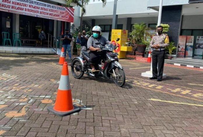 Pelaksanaan ujian SIM bagi penyandang disabilitas