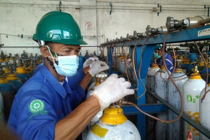 Pegawai PT Surya Gas Industri