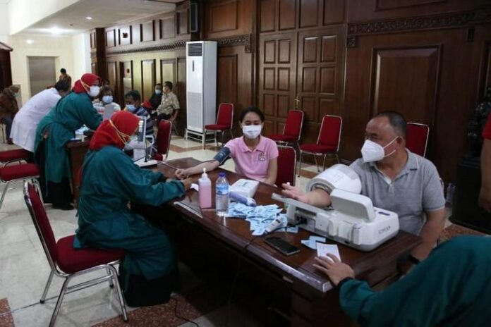 Vaksinasi di Gradhika Bhakti Praja