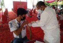 Kegiatan vaksinasi di sekolah