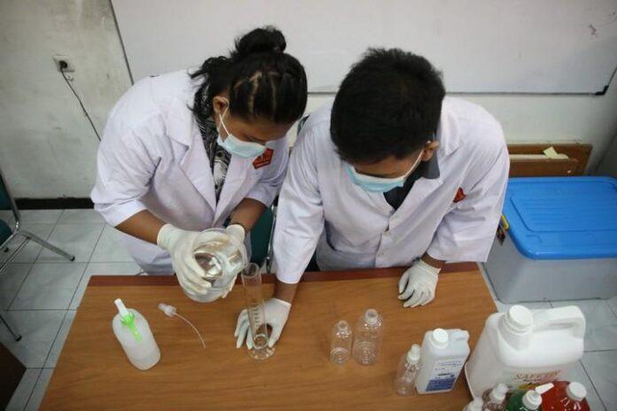 Dua mahasiswa UPGRIS