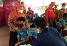 Vaksinasi di sekolah