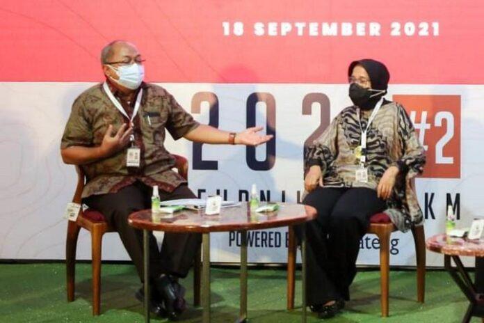 Arif Sambido (kiri)