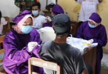 Vaksinasi warga Grobogan